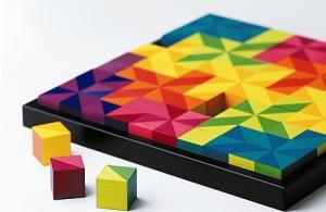 В школе Аристова большую роли играют развивающие игры. В игровом процессе человек не только развлекается, но совершенствует свои умственные способности.